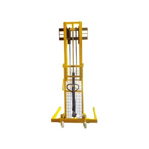 ST1016S 1000kg Pallet Stacker with Straddle Legs: REAR VIEW with FORKS UP